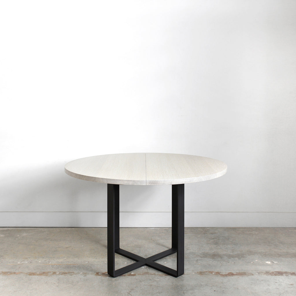 Ferro Round Extension Table