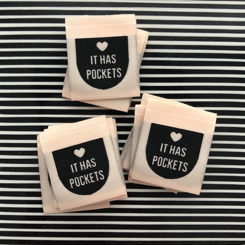 "''It Has Pockets"" Woven Labels"