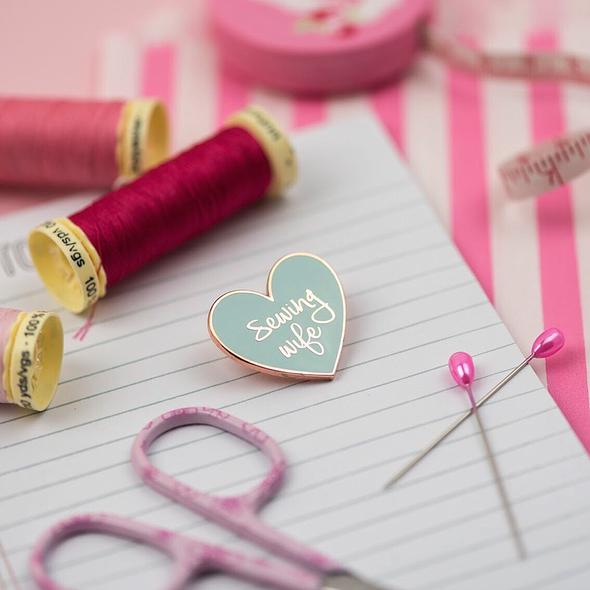Sewing Wife Pin - Mint