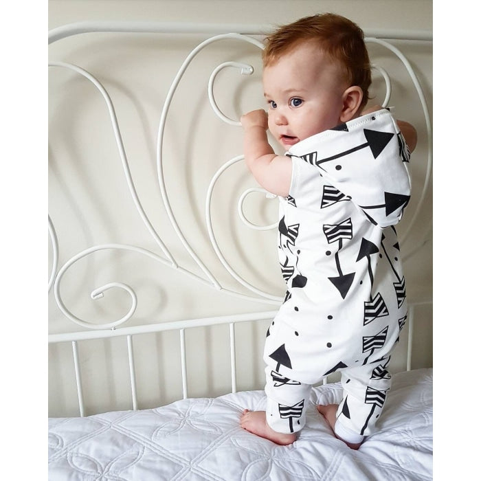 Adorable Arrow Design Hooded Romper for Baby Unisex