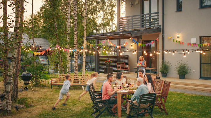 Plan Your Summer Family Backyard Party