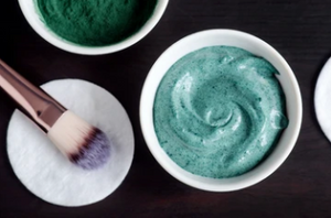 spirulina and honey mask for clarified skin