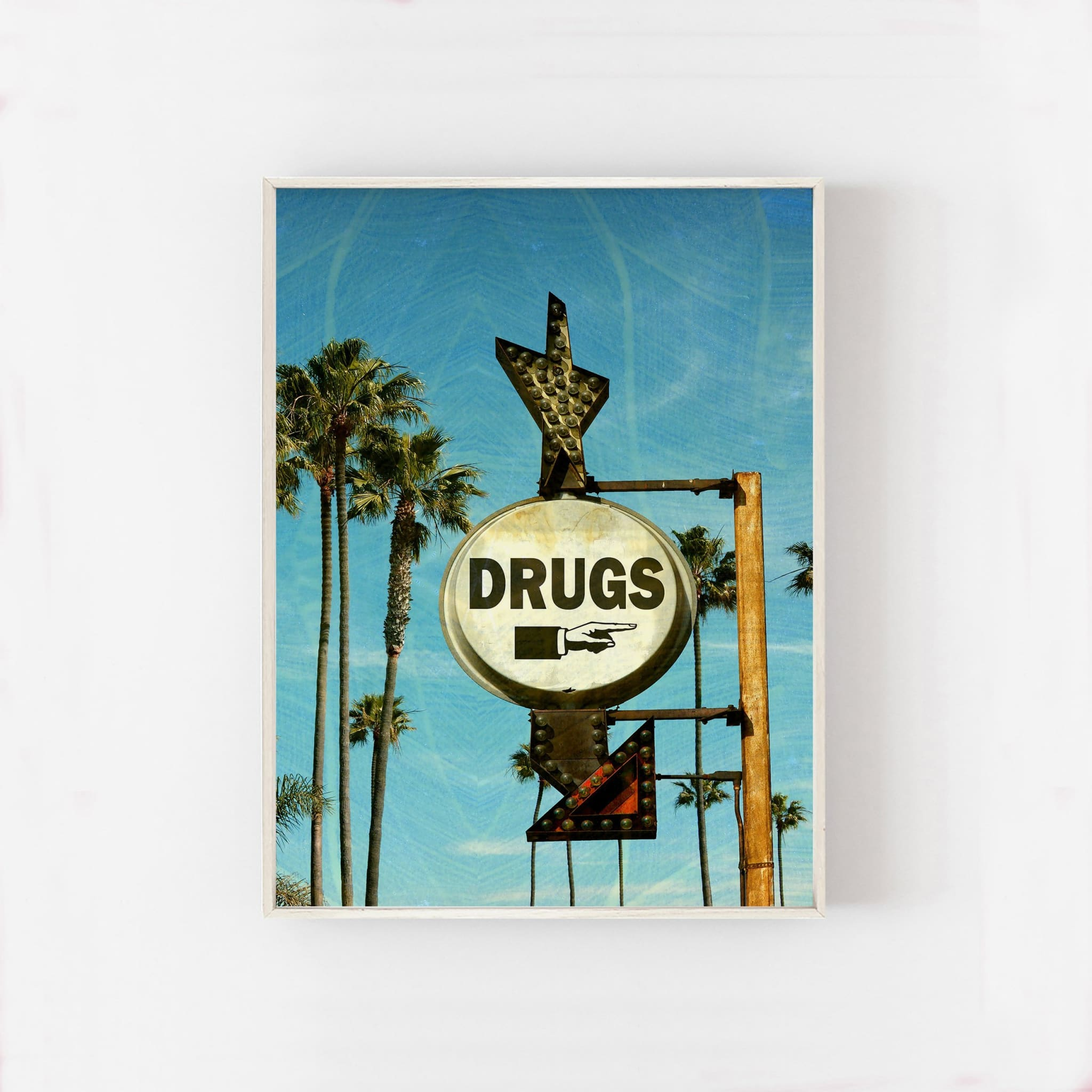 DRUGS - HONEYMOON HOTEL