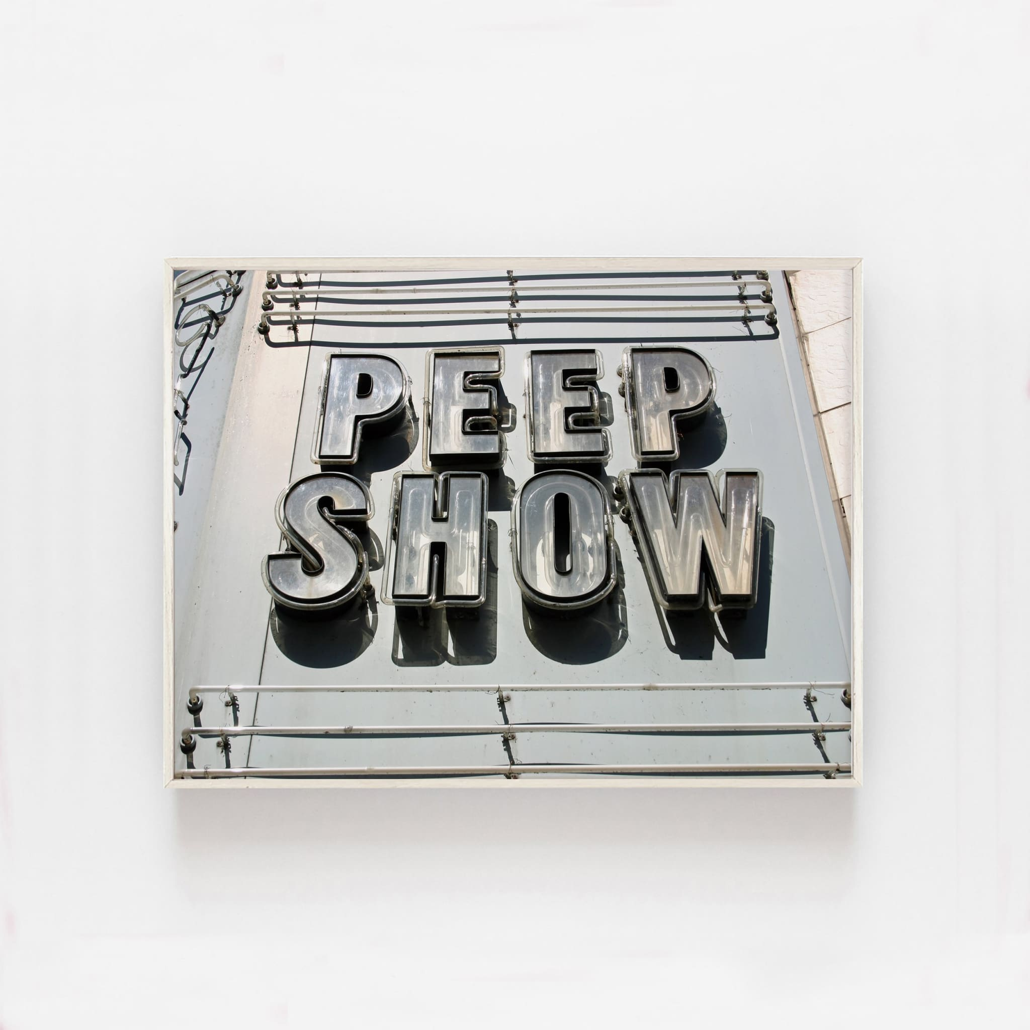 PEEP SHOW - HONEYMOON HOTEL