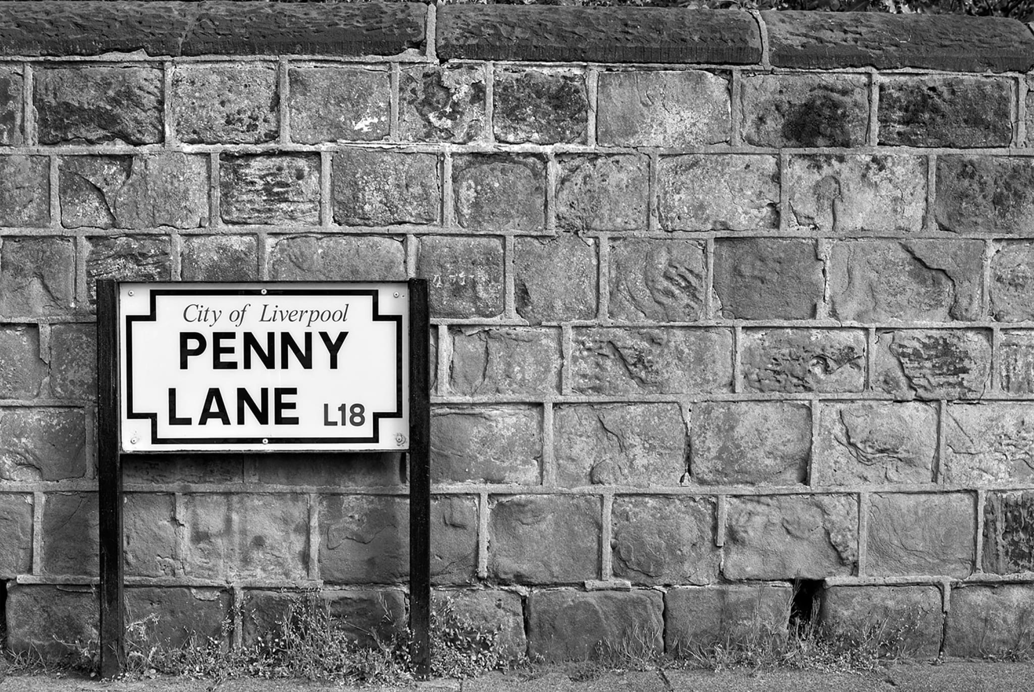 PENNY LANE - HONEYMOON HOTEL