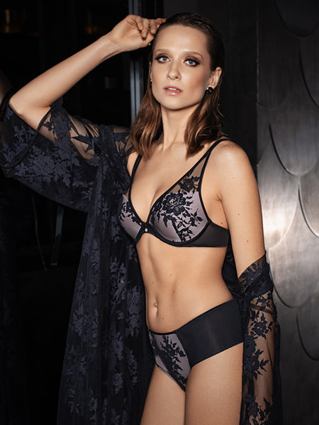 Lauma, Black Plunge Push Up Lace Bra, On Model Front, 20H10