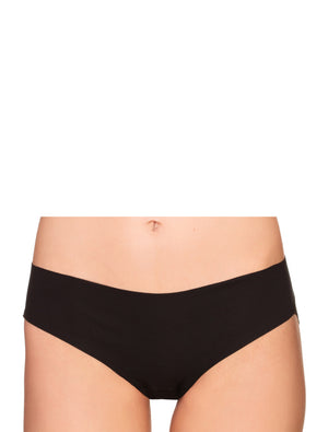 Lauma, Black Seamless Shorts Panties, On Model Front, 29F70