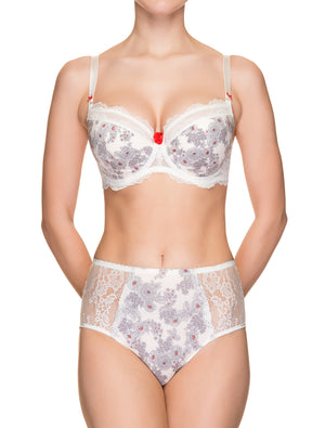 Lauma, Ivory Underwired Padded Bra, On Model Front, 30H42
