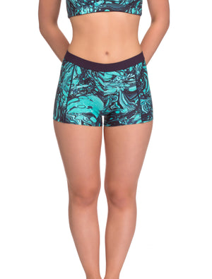Lauma, Green Sports Shorts, On Model Front, 75E70