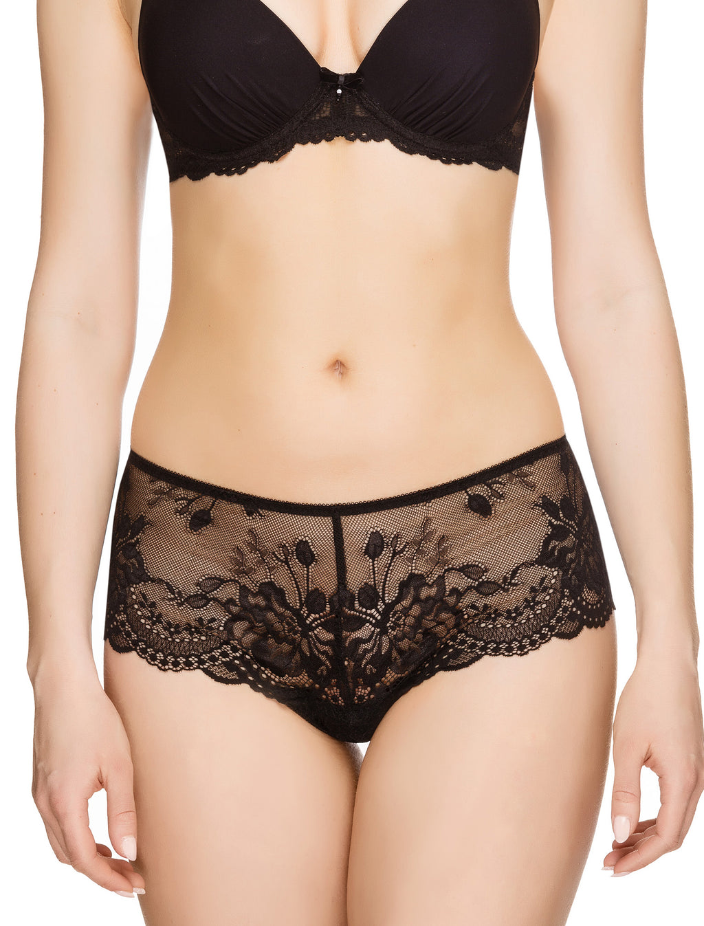 Lauma, Black Lace Shorts, On Model Front, 83G70
