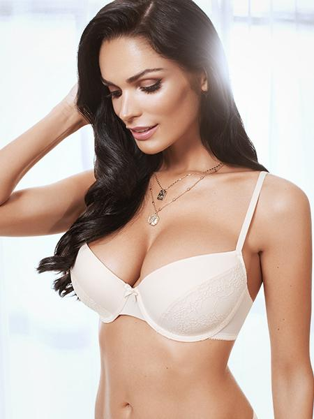 Lauma, Nude Moulded Underwired Bra, On Model Front, 92H31