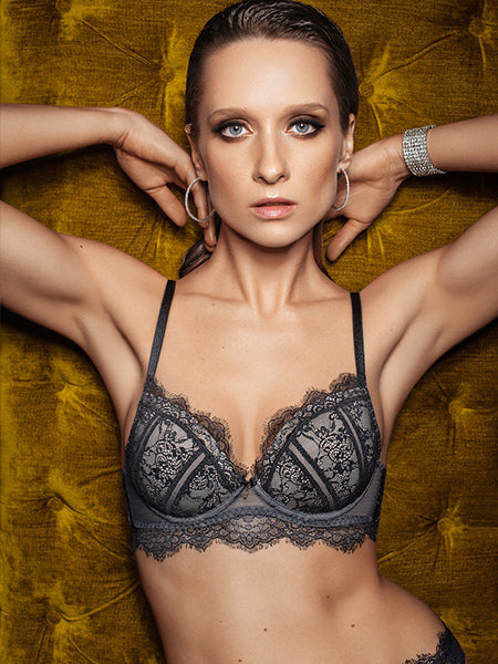 Lauma, Black Lace Push Up Bra, On Model Front, 16H35