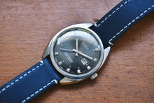 Load image into Gallery viewer, *Rare* Oris Date 3241