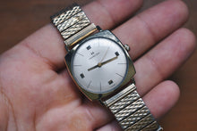 Load image into Gallery viewer, 1966 Hamilton Boatswain III 10k Rolled Gold Plated Case!