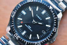 Load image into Gallery viewer, Timex Manual Wind Diver