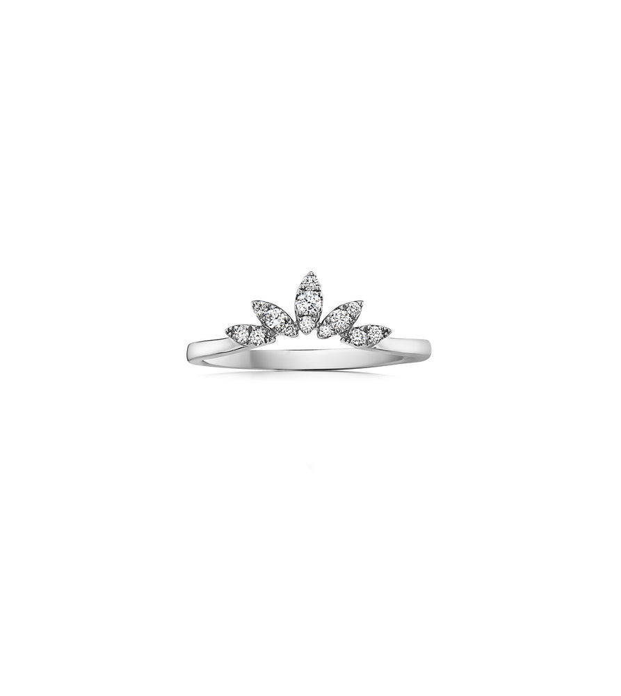 Diamond Petal V Ring - 14K White Gold / 5 - Olive & Chain Fine Jewelry