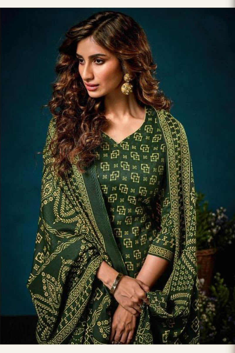 Beautiful Designer Pashmina Salwar Suit In Dark Green Colour
