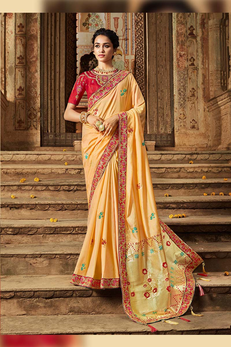Designer Traditional Heavy Banarasi Silk Jacquard Saree In Cream Colour.