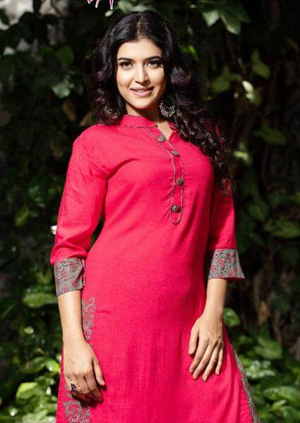 Grey Palazzo Pants With Red Kurti To Give Desi Chic Look