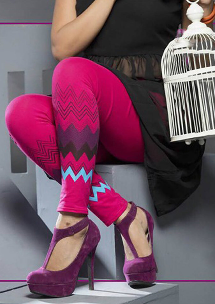 Women Stylish Print Look Leggings in Magenta Colour