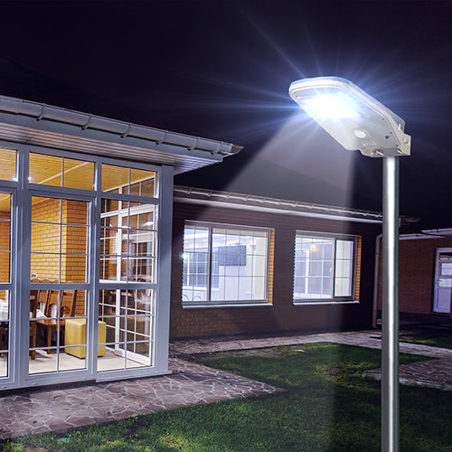 Solar LED Floodlight: Waterproof, Wireless, Completely Self Contained.