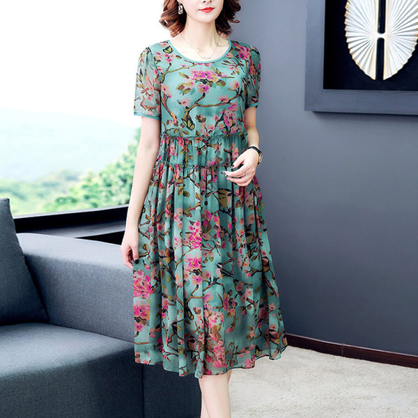 Plus Size Sakura Flowers Babydoll Short Sleeve Midi Dress