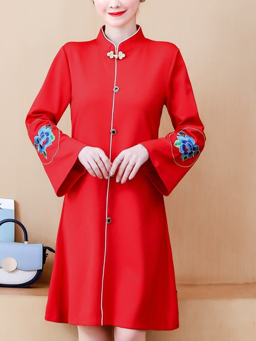 (Bust 90-115 CM) Tonia Plus Size Wide Bell Sleeve Floral Embroidery Cheongsam Qipao Long Sleeve Dress (Red, Black)