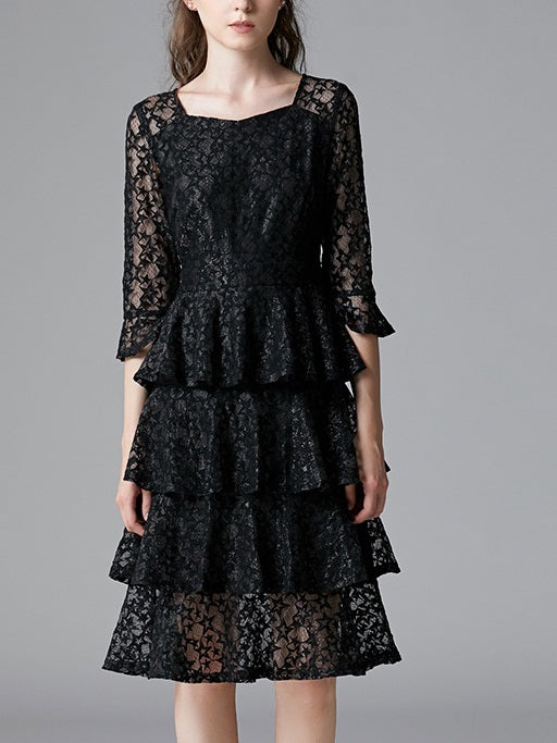 Shoma Star Lace Bell Sleeve Tier Cake Layer Mid Sleeve Dress