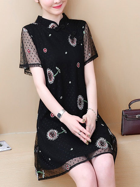 Teela Plus Size Cheongsam Qipao Black Lace Embroidery Modern Short Sleeve Dress (Suitable For Chinese New Year, Office)