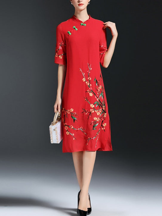 Tehillah Plus Size Cheongsam Qipao Floral Embroidery Mid Sleeve Midi Dress (Suitable For Chinese New Year, Office) (Red, Black)