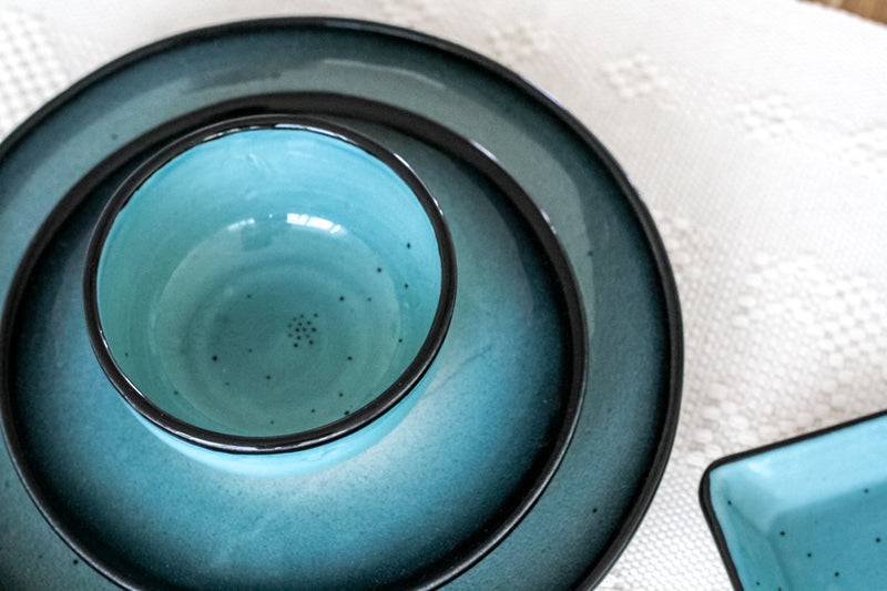 COLLECTION ESPACIO TURQUOISE TABLEWARE