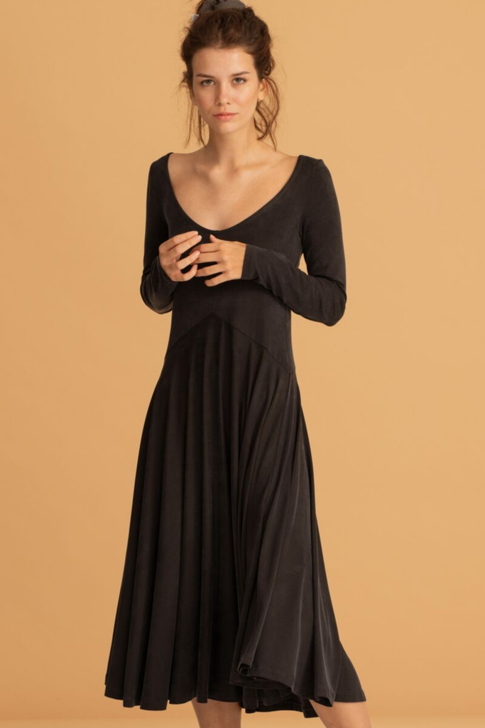05/06 Natural Cupro Dress in Black