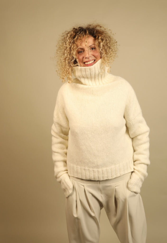 WHITE HIGH NECK JUMPER FROM BABY ALPACA -Grey-14
