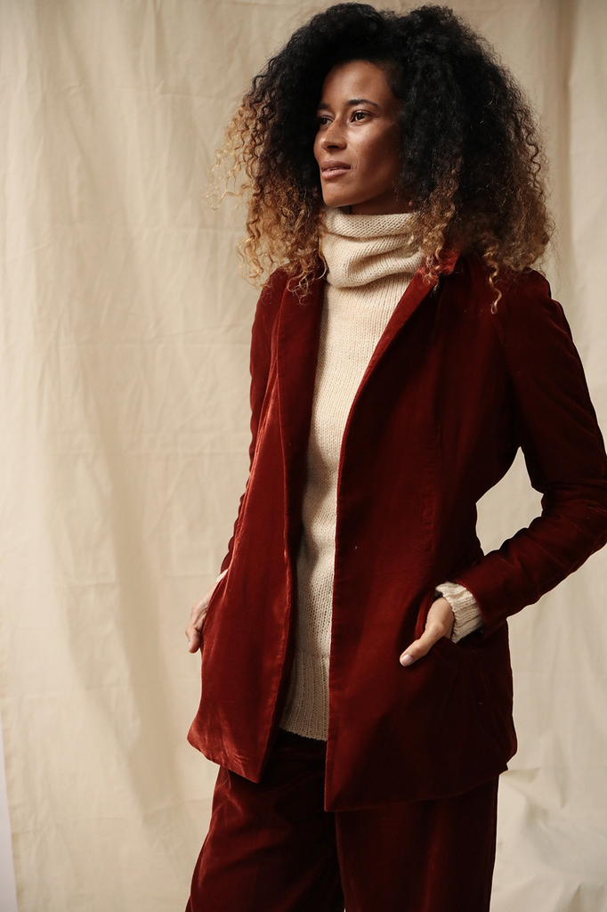 Zaria Ethical Velvet Blazer in Bordeaux