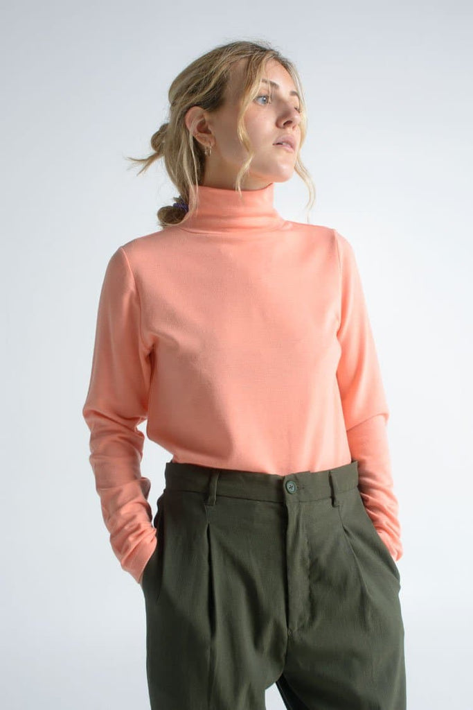 Albion Vegan Acrylic Blouse in Bubblegum Pink