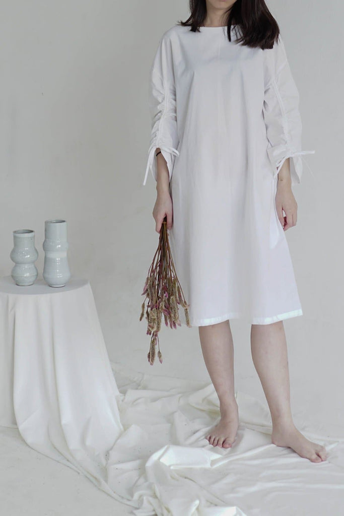Cotton Poplin Dress with Rouching Sleeves in White
