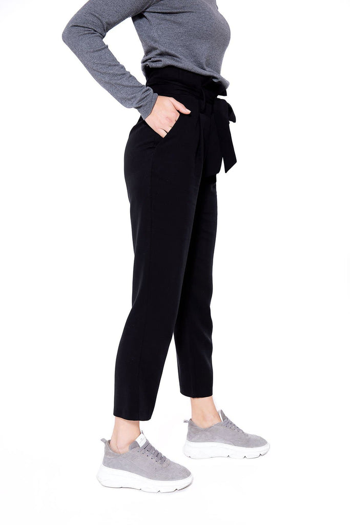 Hose Lou Natural Tencel Pants in Black