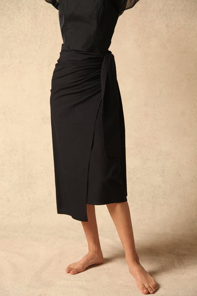 Safia Natural Cotton Skirt in Black