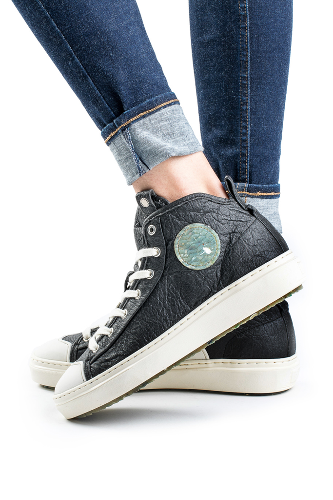 Wahoo Recycled Sneakers in Black