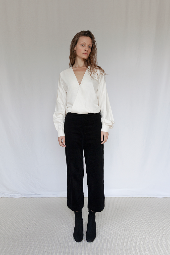 "V"" Organic Sateen Blouse in Ivory"