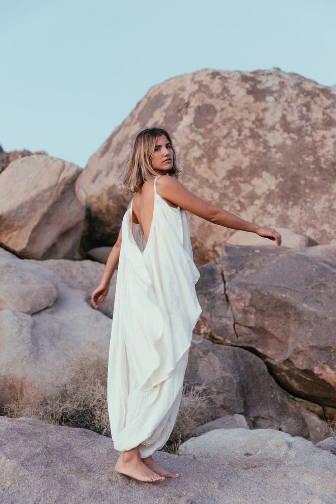 Es Vedra Handwoven Organic Cotton Jumpsuit in White