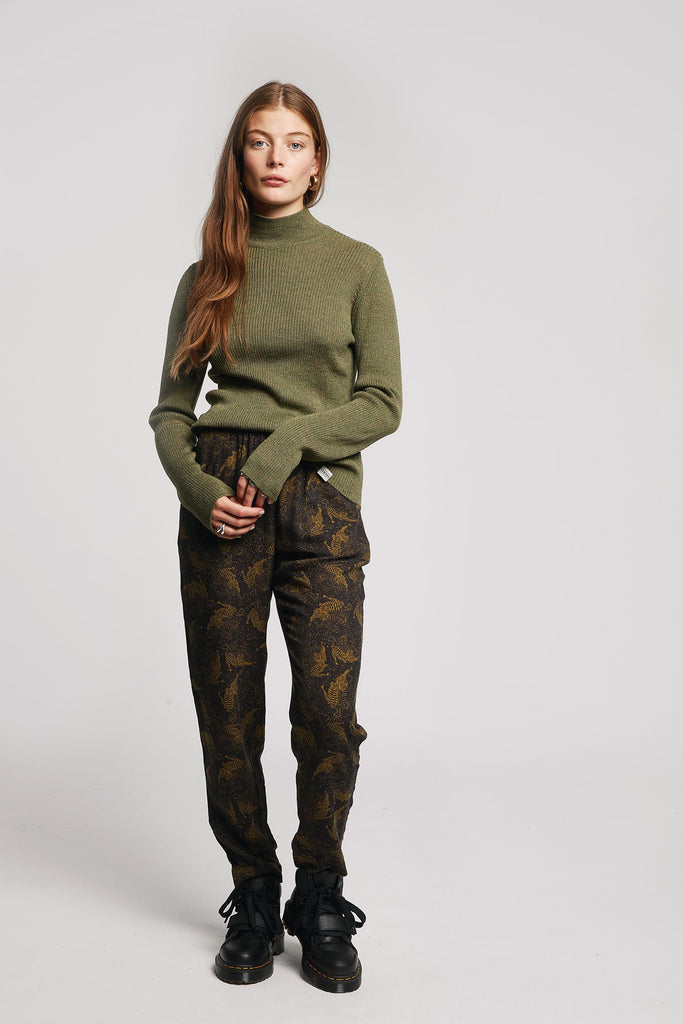 Ari Biodegradable Merino Wool Sweater in Olive