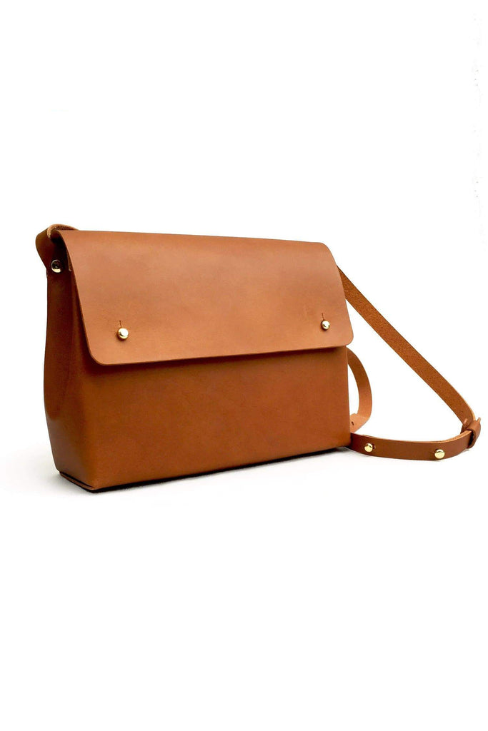 Scylla Handmade Vegetable Leather Shoulder Bag in Tan
