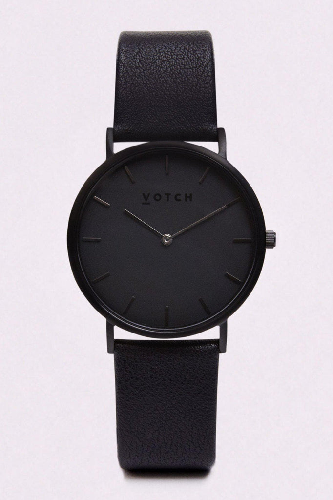 Classic Vegan Leather Watch in Black, Black Strap