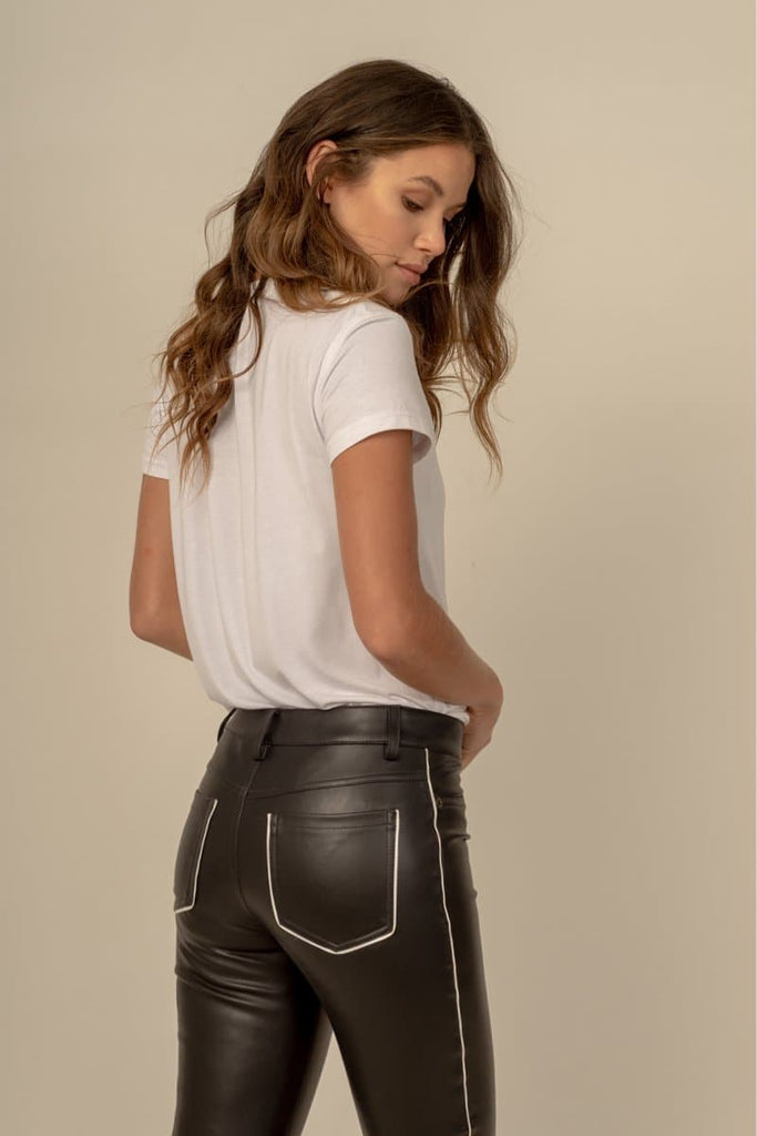 Zoe Vegan Faux Leather Skinny Outlined Pants in Black