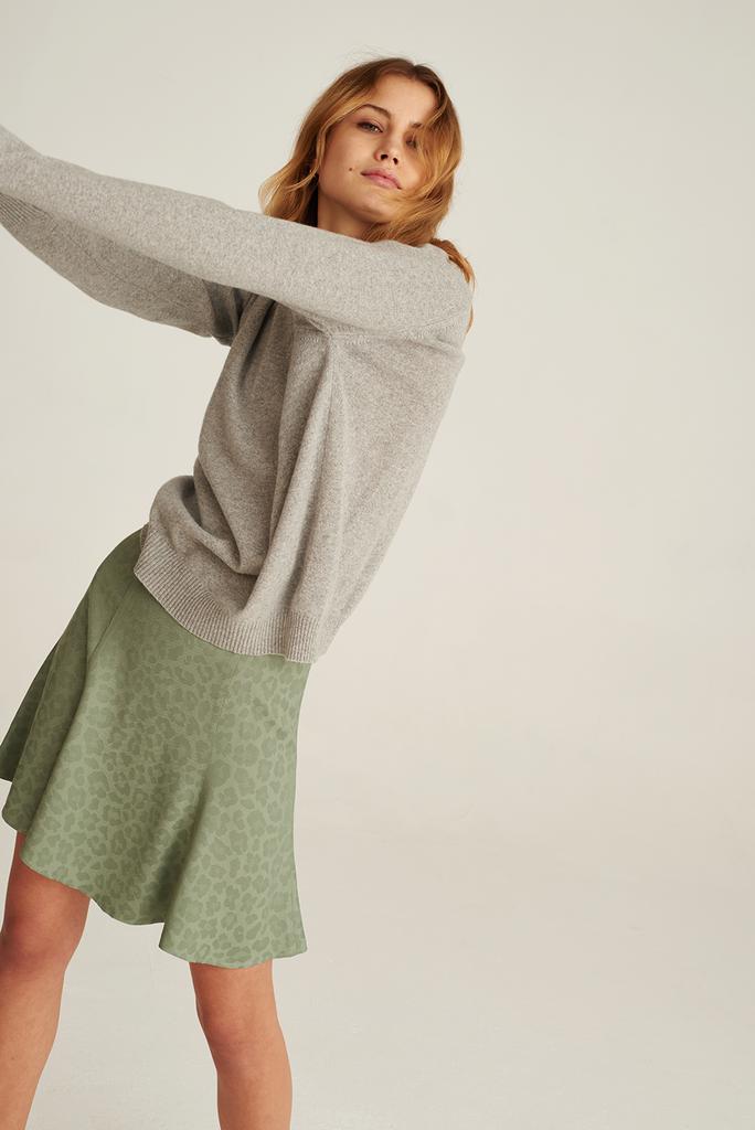 05/12 Recycled Cashmere Sweater in Cloudy Grey