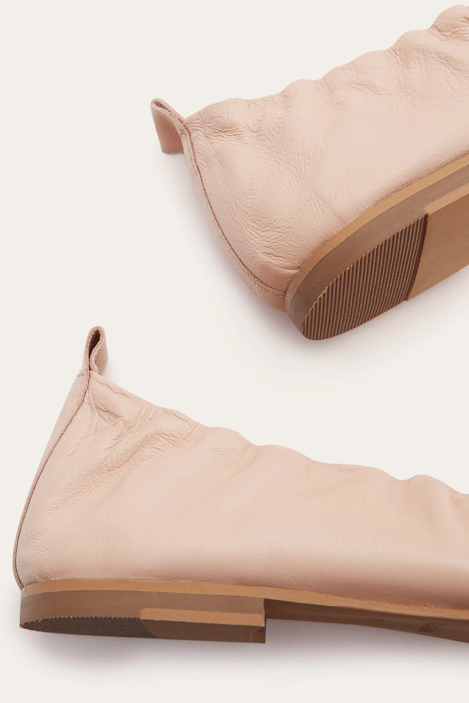 Kemet Natural Leather Shoes in Powder