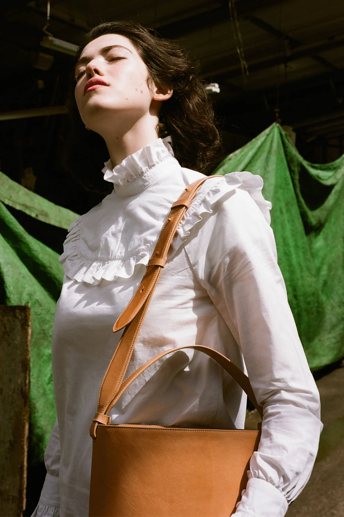 Champagne Natural Vegetable Tanned Cow Leather Bucket Bag in Nude