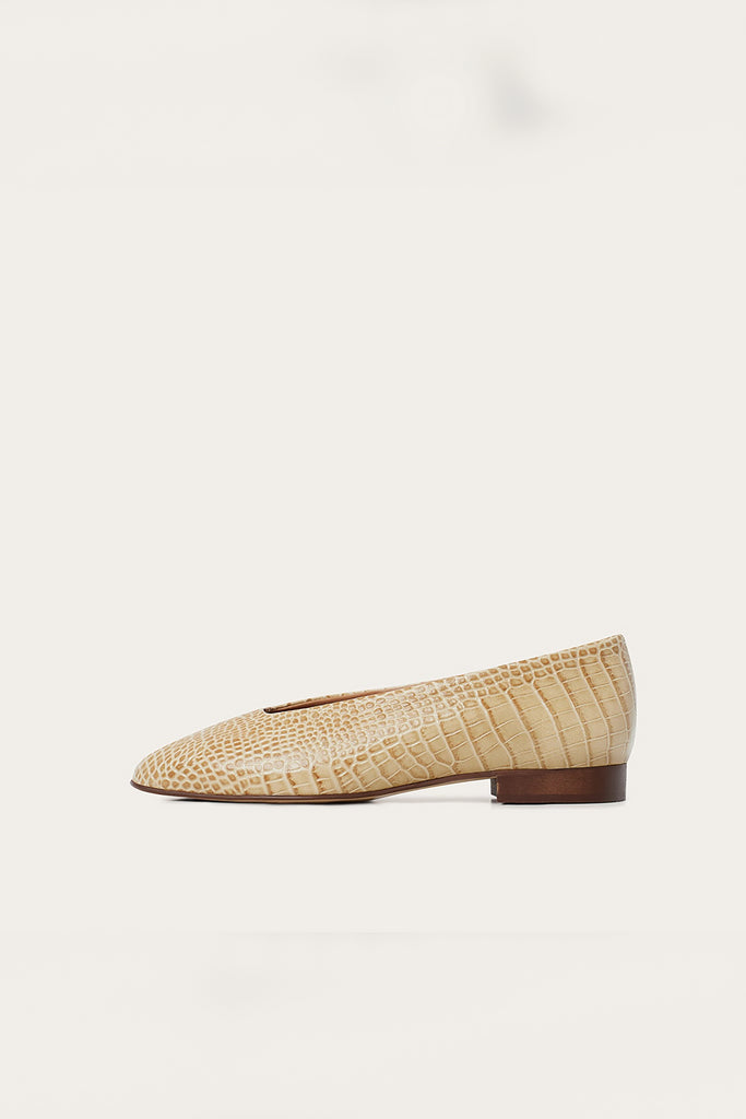 Kikar Natural Cow Leather Shoes in Beige Crocodile Pattern