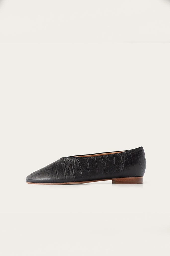 Opera Natural Cow Leather Shoes in Black Crocodile Pattern
